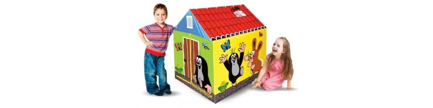 Hračky a nábytek na zahradu
